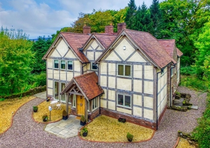 High Clear Farm, Beaconhill Lane, Monkhopton, Bridgnorth, Shropshire, WV16