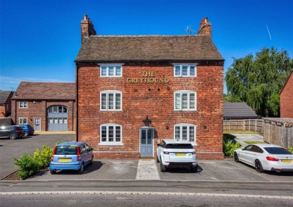 3 The Greyhound, Wombourne Road, Swindon, Dudley, South Staffordshire, DY3