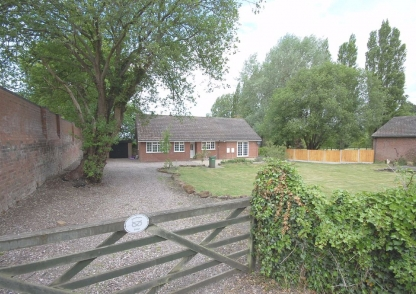 Greenkeepers Cottage, Danescourt Road, Stockwell End, Wolverhampton, WV6